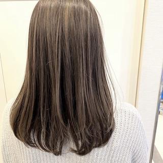 ハイライト バレイヤージュ グレージュ セミロング ヘアスタイルや髪型の写真・画像