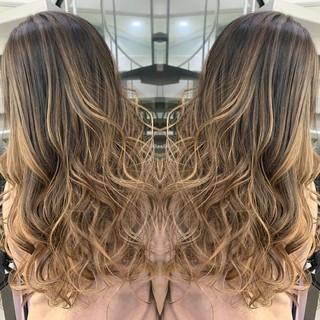 グラデーションカラー イルミナカラー バレイヤージュ グレージュ ヘアスタイルや髪型の写真・画像