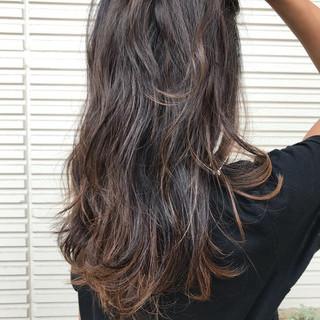 グラデーションカラー モード ハイライト 大人女子 ヘアスタイルや髪型の写真・画像
