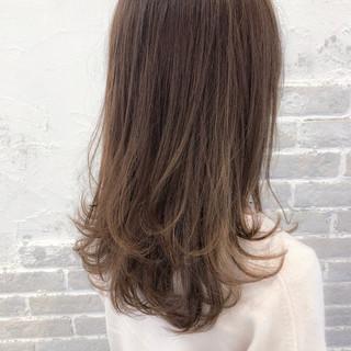 セミロング アンニュイほつれヘア 簡単ヘアアレンジ ナチュラル ヘアスタイルや髪型の写真・画像