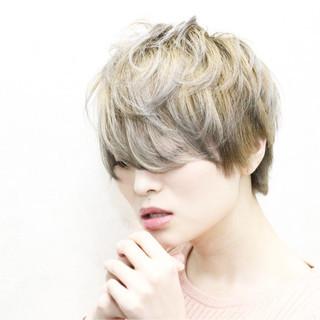 愛され グレージュ アッシュ 外国人風カラー ヘアスタイルや髪型の写真・画像 ヘアスタイルや髪型の写真・画像
