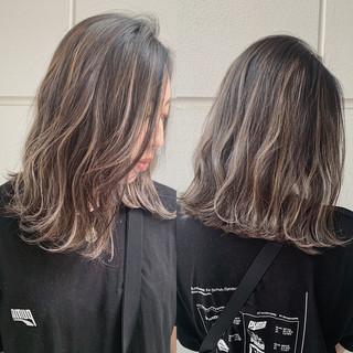 ナチュラル ミディアム デート アウトドア ヘアスタイルや髪型の写真・画像