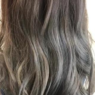 バレイヤージュ グラデーションカラー ロング 派手髪 ヘアスタイルや髪型の写真・画像