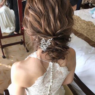 アンニュイほつれヘア ヘアアレンジ セミロング 結婚式ヘアアレンジ ヘアスタイルや髪型の写真・画像