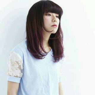 グラデーションカラー 前髪あり セミロング 黒髪 ヘアスタイルや髪型の写真・画像