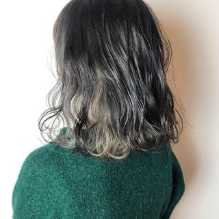 インナーカラー ナチュラル ウェーブ ボブ ヘアスタイルや髪型の写真・画像