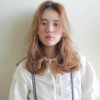 ミルクティー ナチュラル ミディアム 大人女子 ヘアスタイルや髪型の写真・画像
