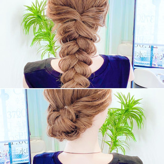 フェミニン ヘアアレンジ ダウンスタイル 簡単ヘアアレンジ ヘアスタイルや髪型の写真・画像