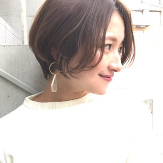 大人かわいい ナチュラル オフィス ショート ヘアスタイルや髪型の写真・画像 ヘアスタイルや髪型の写真・画像