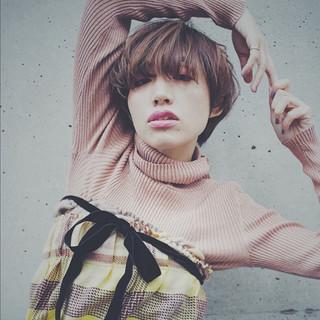 冬 ショート ナチュラル 大人女子 ヘアスタイルや髪型の写真・画像