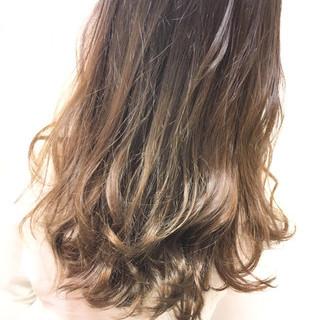 セミロング アッシュ ナチュラル ダブルカラー ヘアスタイルや髪型の写真・画像