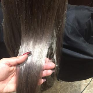 外国人風 ロング グレージュ 暗髪 ヘアスタイルや髪型の写真・画像 ヘアスタイルや髪型の写真・画像