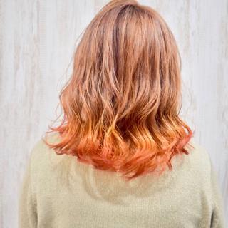 オレンジカラー 裾カラー ミディアム フェミニン ヘアスタイルや髪型の写真・画像