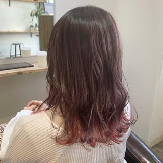 インナーカラー ミディアム ラベンダーピンク ピンクブラウン ヘアスタイルや髪型の写真・画像