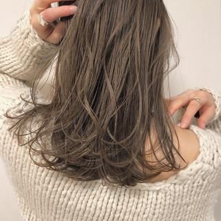ベージュ ナチュラル ブラウン デート ヘアスタイルや髪型の写真・画像