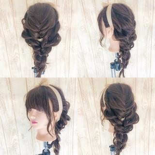ガーリー ヘアアレンジ デート セミロング ヘアスタイルや髪型の写真・画像