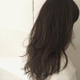 レイヤーカット アッシュ 大人かわいい セミロング ヘアスタイルや髪型の写真・画像