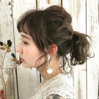 セミロング デート ヘアアレンジ スウィート ヘアスタイルや髪型の写真・画像