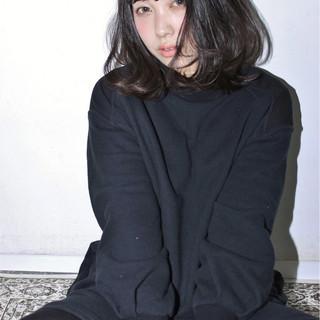 暗髪 ゆるふわ 黒髪 外国人風 ヘアスタイルや髪型の写真・画像