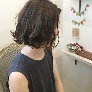 パーマ ボブ ウェーブ ハイライト ヘアスタイルや髪型の写真・画像
