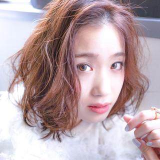 ナチュラル フェミニン 冬 ベリーピンク ヘアスタイルや髪型の写真・画像