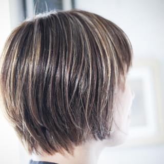 ナチュラル 極細ハイライト ボブ 大人ハイライト ヘアスタイルや髪型の写真・画像