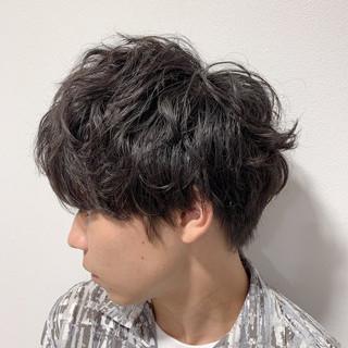 メンズショート メンズヘア ナチュラル メンズマッシュ ヘアスタイルや髪型の写真・画像