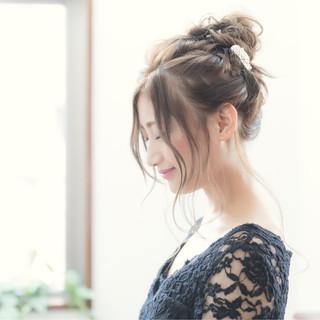 フェミニン お団子 簡単ヘアアレンジ セミロング ヘアスタイルや髪型の写真・画像