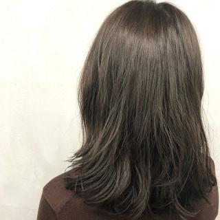 アッシュ オフィス ラフ ボブ ヘアスタイルや髪型の写真・画像 ヘアスタイルや髪型の写真・画像