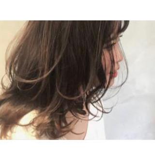 オフィス アンニュイほつれヘア ママヘア 大人ハイライト ヘアスタイルや髪型の写真・画像