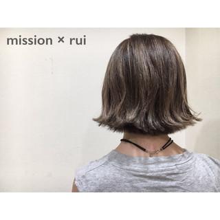 切りっぱなし 暗髪 ストリート グレージュ ヘアスタイルや髪型の写真・画像