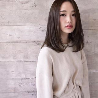 セミロング 艶髪 ナチュラル 可愛い ヘアスタイルや髪型の写真・画像