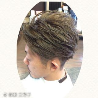 アッシュグレー ダブルカラー アッシュ ショート ヘアスタイルや髪型の写真・画像
