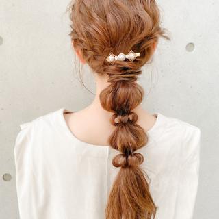 ゆるふわセット セミロング 編みおろし フェミニン ヘアスタイルや髪型の写真・画像