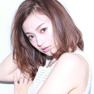 大人かわいい ロブ 外ハネ 色気 ヘアスタイルや髪型の写真・画像