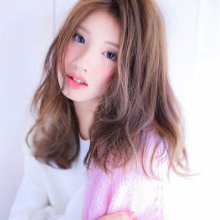 アッシュ 大人かわいい ガーリー 外国人風 ヘアスタイルや髪型の写真・画像
