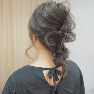 ショート イルミナカラー 編み込み ヘアアレンジ ヘアスタイルや髪型の写真・画像