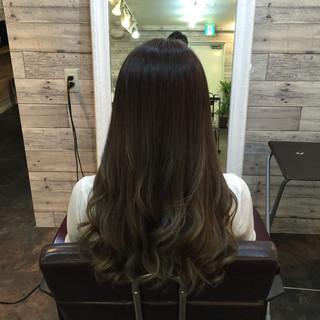 アッシュ 暗髪 渋谷系 グラデーションカラー ヘアスタイルや髪型の写真・画像