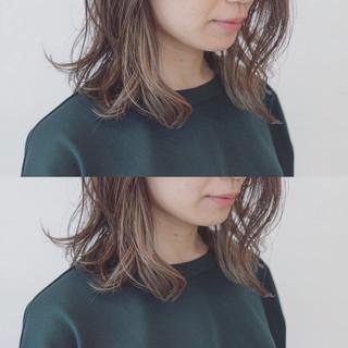 透明感 ミディアム インナーカラー 抜け感 ヘアスタイルや髪型の写真・画像