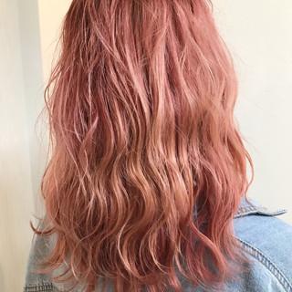ミディアム 色気 ショート レッド ヘアスタイルや髪型の写真・画像