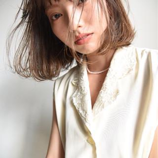 デート ロブ ナチュラル 大人かわいい ヘアスタイルや髪型の写真・画像 ヘアスタイルや髪型の写真・画像