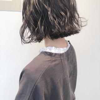 ナチュラル アッシュベージュ 外ハネボブ パーマ ヘアスタイルや髪型の写真・画像 ヘアスタイルや髪型の写真・画像