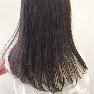 ミルクティー ナチュラル 透明感 ストレート ヘアスタイルや髪型の写真・画像