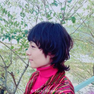 外国人風 暗髪 ナチュラル 黒髪 ヘアスタイルや髪型の写真・画像