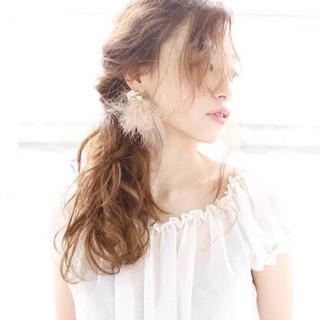 セミロング ショート おフェロ 透明感 ヘアスタイルや髪型の写真・画像