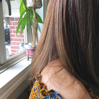 ガーリー グレージュ セミロング ブリーチ ヘアスタイルや髪型の写真・画像