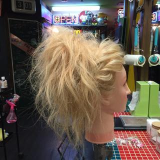 セミロング くせ毛風 ヘアアレンジ 渋谷系 ヘアスタイルや髪型の写真・画像