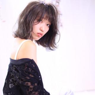 フェミニン グレージュ ハイライト 秋 ヘアスタイルや髪型の写真・画像