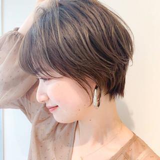 ショートヘア 簡単スタイリング 大人かわいい ナチュラル ヘアスタイルや髪型の写真・画像