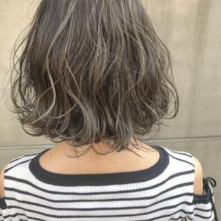グレージュ ボブ ブリーチ ハイライト ヘアスタイルや髪型の写真・画像